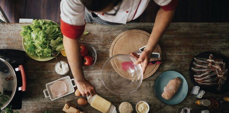 讓懶人一懶究竟,上門廚師可否開闢餐館界新的瀚海